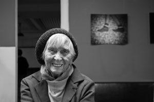 S pasivním stářím je konec. Dobrovolníci a zaměstnanci Elpidy pracují se seniory na tom, aby podzim jejich života byl co nejaktivnější, a tím pádem nejkvalitnější.