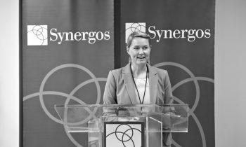 Ředitelka a poradkyně Melissa Durda vede program Global Philanthropists Circle v rámci organizace Synergos, kterou založila prapravnučka ropného magnáta J.D.Rockefellera Peggy Dulanyová.