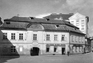 Vojtěch Náprstek přeměnil svůj rodný dům na České průmyslové museum. F. L. Rieger mu na exponáty poskytl a pomáhal shánět finanční prostředky.